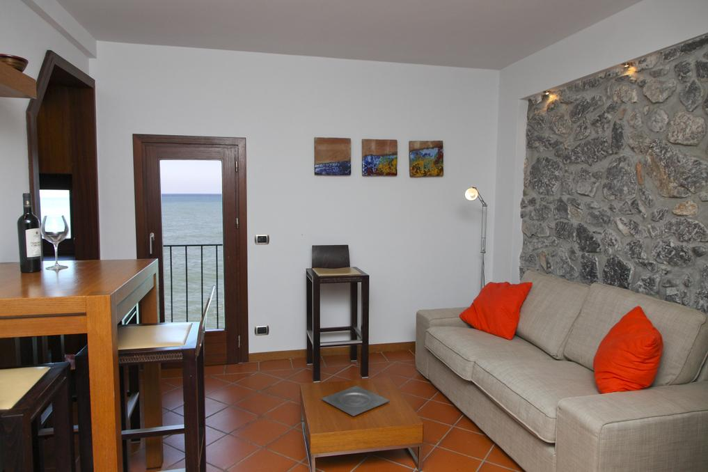 Casa bella apartments in cefal for Casa bella collection